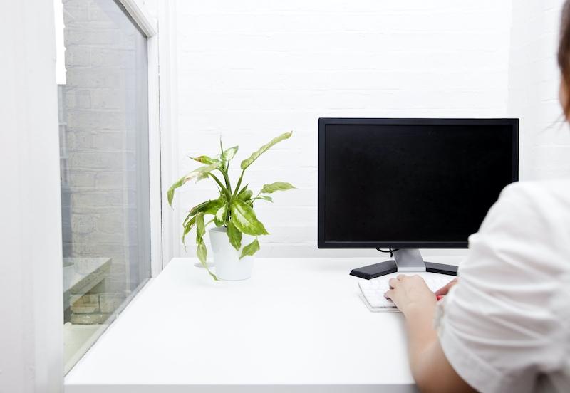 LNC Corporate Website