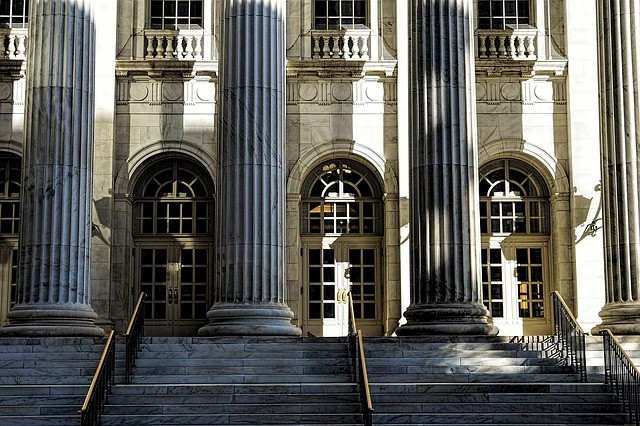 Courthouse and the traps that affect expert witnesses