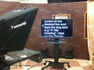 Teleprompter to use with a script